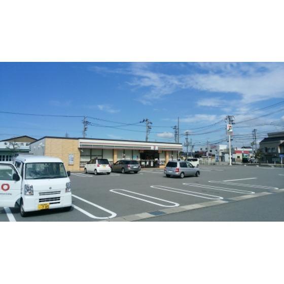 セブンイレブン南砺二日町店(646m)
