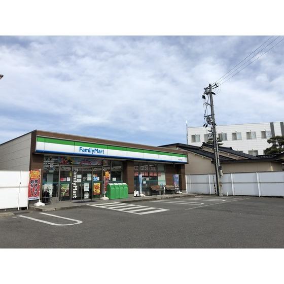 ファミリーマート富山大町店(785m)