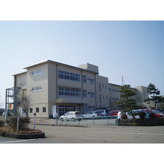 高岡市立牧野小学校(956m)