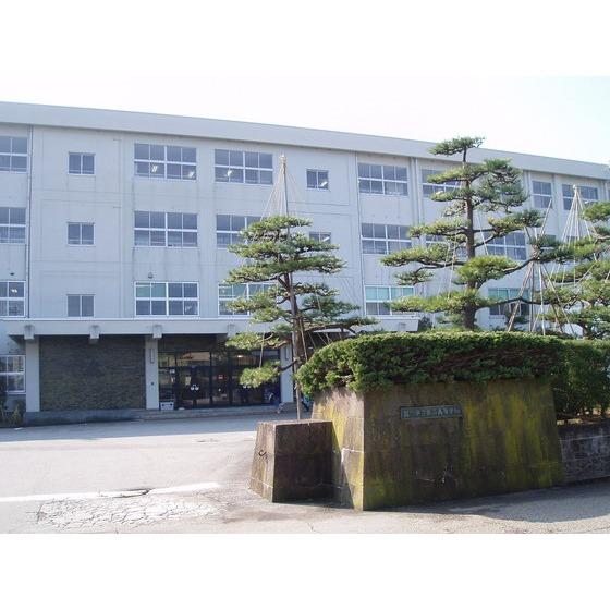 富山県立新湊高校(1,407m)