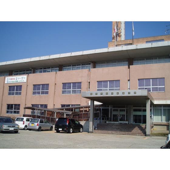 射水市役所新湊庁舎(2,371m)