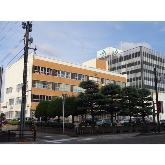 高岡警察署(3,077m)