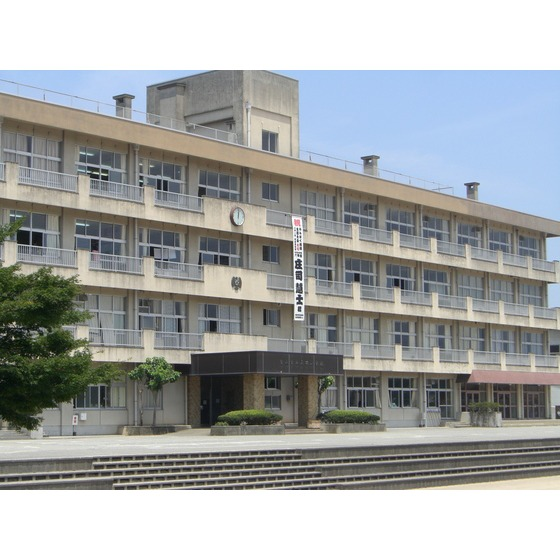 富山市立呉羽小学校(1,361m)