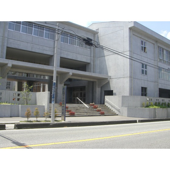 富山市立呉羽中学校(907m)