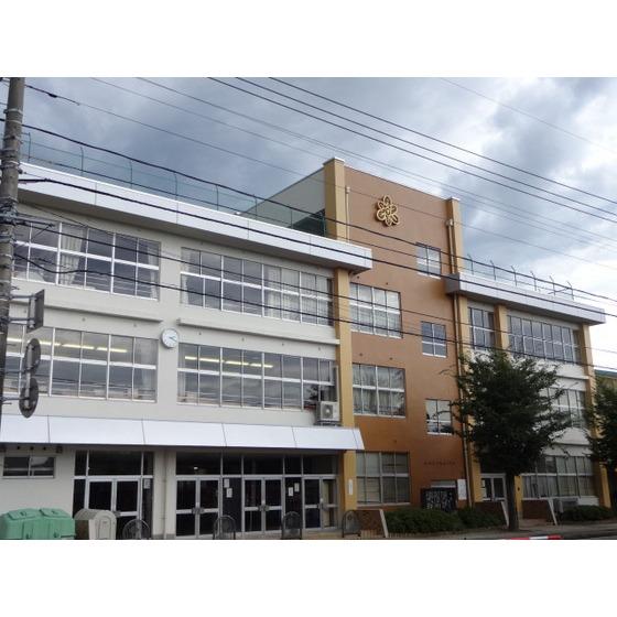 高岡市立野村小学校(1,041m)